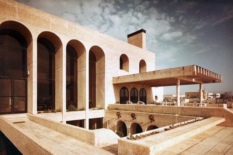 H E  Abdullah Yosif Al Ghanim's Villa - Pace - Architecture